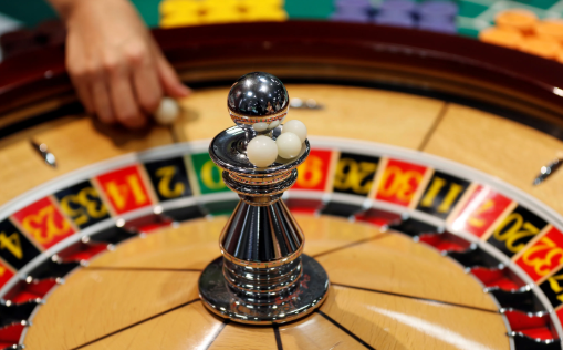 Want A Thriving Business? Focus On ONLINE CASINO !